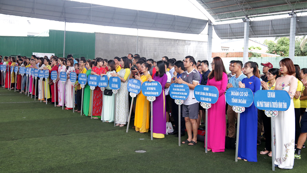 Đoàn khối các cơ quan tỉnh: Khai mạc Giải bóng đá Mini Nam - Nữ năm 2019
