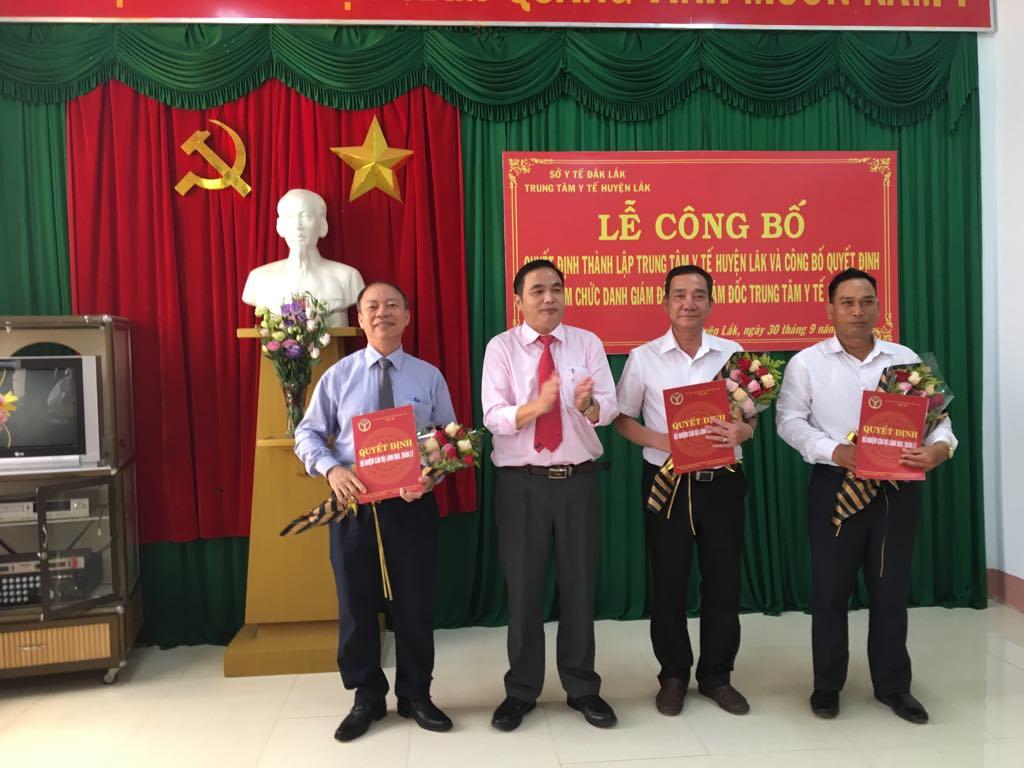 Công bố Quyết định thành lập Trung tâm Y tế huyện Lắk