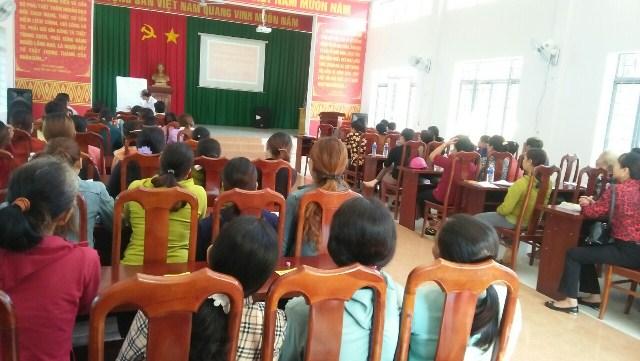 Hội Liên hiệp Phụ nữ xã Dray Bhăng, huyện Cư Kuin tổ chức buổi truyền thông với chủ đề tảo hôn và hôn nhân cận huyết thống trong vùng đồng bào Dân tộc thiểu số và Bình đẳng giới