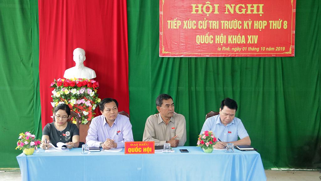 Hội nghị tiếp xúc cử tri trước Kỳ họp thứ 8, Quốc hội khóa XIV tại xã Ia Rvê