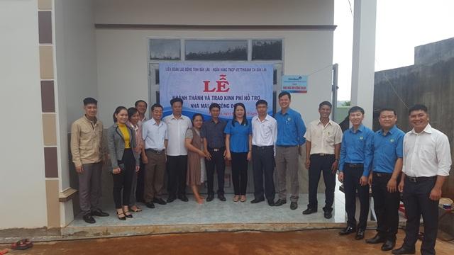 Liên đoàn Lao động tỉnh Đắk Lắk bàn giao nhà mái ấm công đoàn cho đoàn viên ở thị trấn Ea Đrăng, huyện Ea H'leo