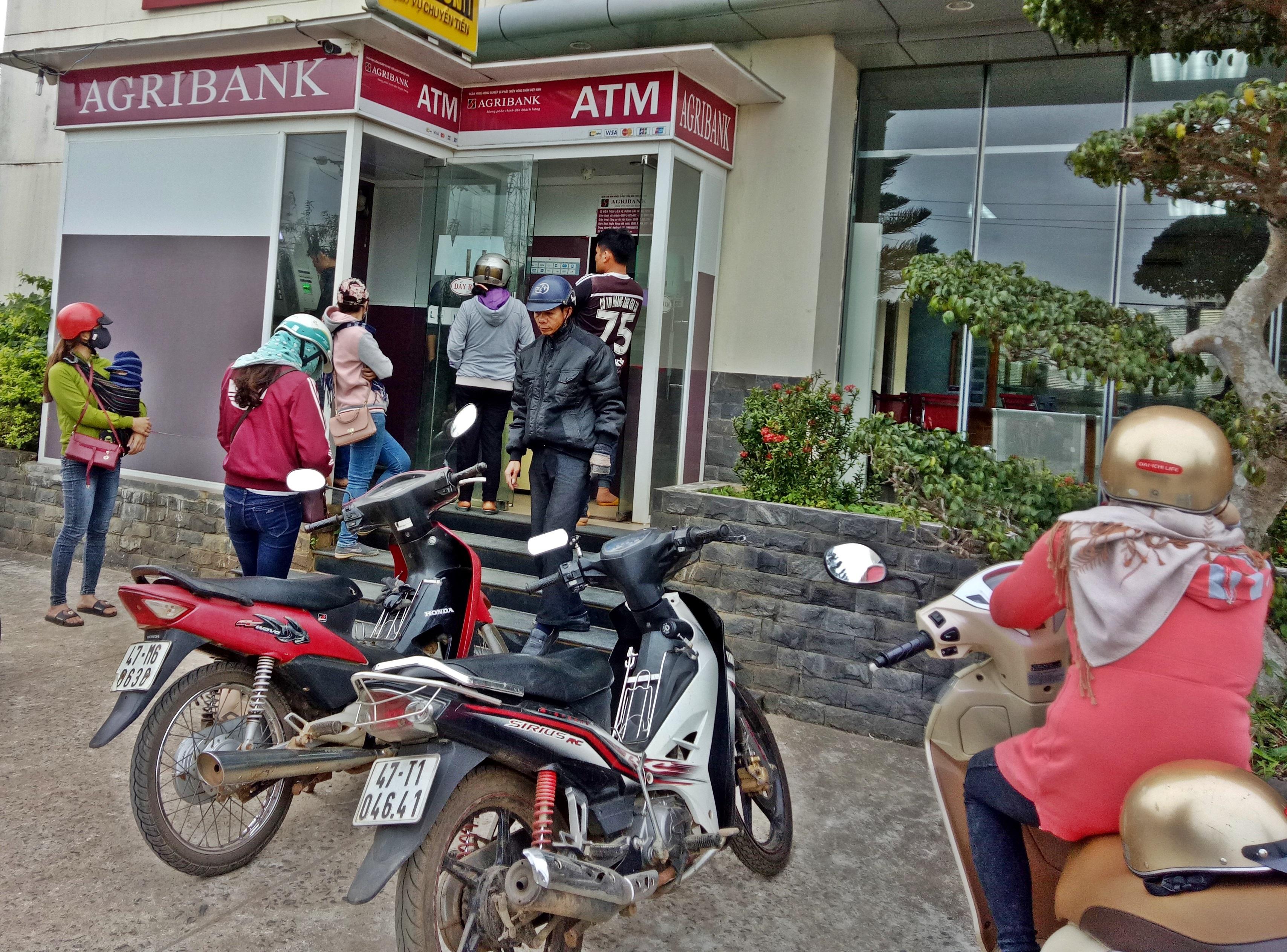 Các đơn vị Agribank trên địa bàn tỉnh Đắk Lắk, đẩy mạnh phát triển dịch vụ Thẻ tại thị trường nông nghiệp, nông thôn.