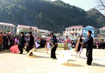 Tham gia Ngày hội văn hóa dân tộc Mông toàn quốc lần thứ II, năm 2016