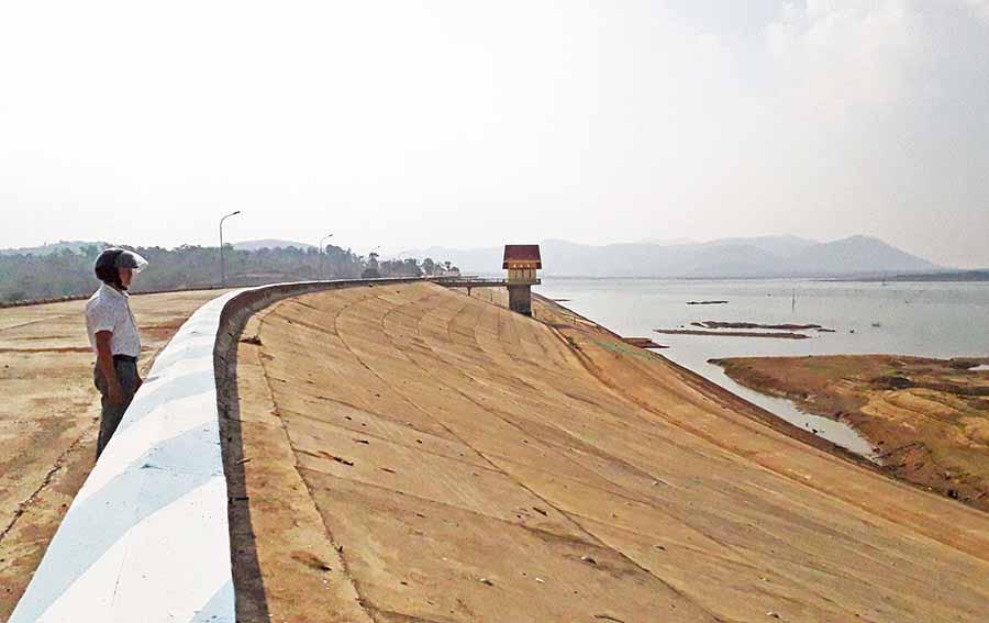 Triển khai thực hiện hệ thống kênh cấp 1 thuộc dự án công trình thủy lợi hồ chứa nước Ia Mơr trên địa bàn huyện Ea Súp.