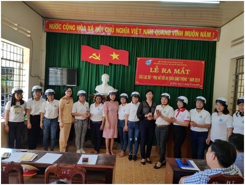 """Hội LHPN huyện Ea H'leo ra mắt câu lạc bộ """"Phụ nữ với an toàn giao thông"""""""