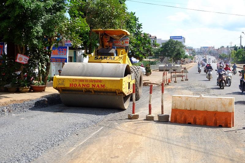 Đầu tư dự án Đường Hùng Vương (đoạn từ đường Nguyễn Công Trứ đến đường Nguyễn Văn Cừ), thành phố Buôn Ma Thuột (giai đoạn 1).