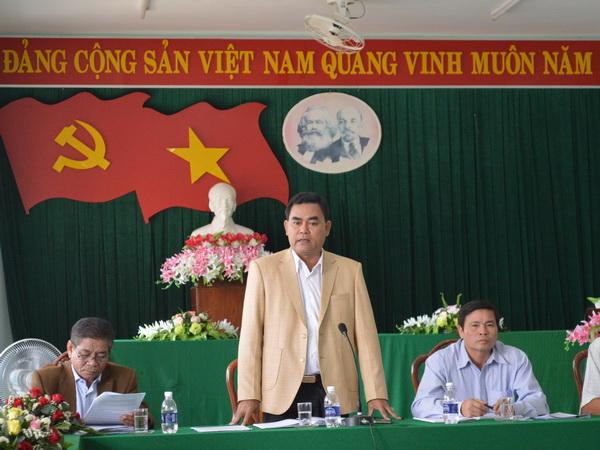 Đoàn công tác của Tỉnh ủy làm việc với Huyện ủy Lắk
