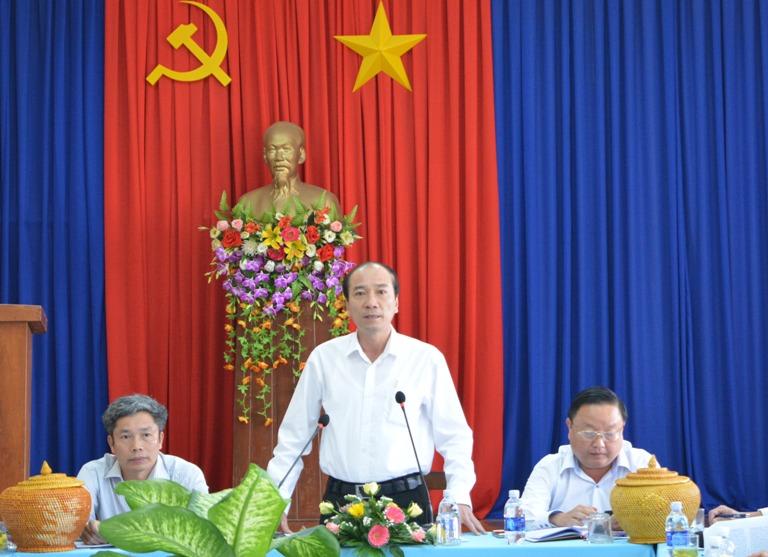 Thường trực Tỉnh ủy kiểm tra tình hình KT-XH, bảo đảm quốc phòng – an ninh, công tác chuẩn bị bầu cử đại biểu Quốc hội khóa XIV và đại biểu HĐND các cấp nhiệm kỳ 2016 – 2021 tại huyện Ea Kar.