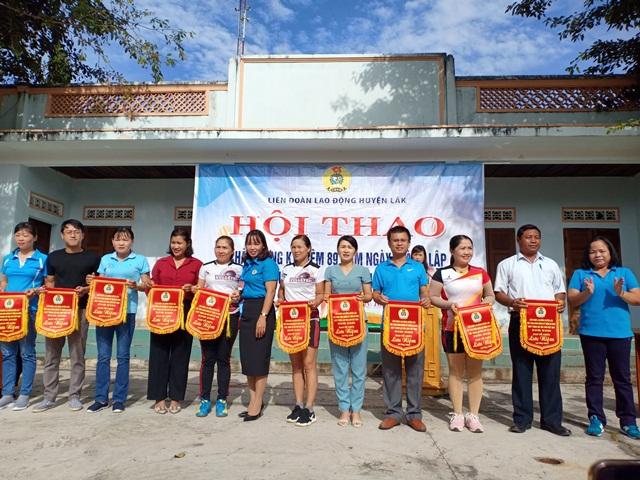 Khai mạc Hội thao chào mừng kỷ niệm 89 năm Ngày thành lập  Hội Liên hiệp Phụ nữ Việt Nam
