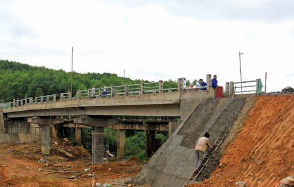 Đầu tư dự án Xây dựng mới Cầu Cây Sung (Km78+400), cầu Trắng (Km79+700) và đoạn tuyến kết nối giữa hai cầu thuộc Tỉnh lộ 1