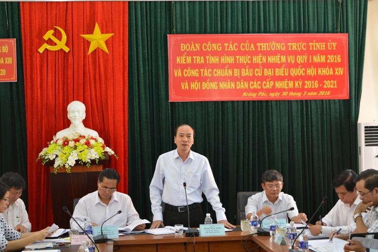 Thường trực Tỉnh ủy kiểm tra tình hình thực hiện nhiệm vụ Qúy I/2016 và công tác chuẩn bị bầu cử đại biểu Quốc hội khóa XIV và HĐND các cấp nhiệm kỳ 2016 - 2021 tại huyện Krông Pắk.