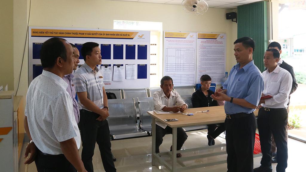 Sở Nội vụ kiểm tra thực tế công tác cải cách hành chính tại huyện Krông Năng và thị xã Buôn Hồ