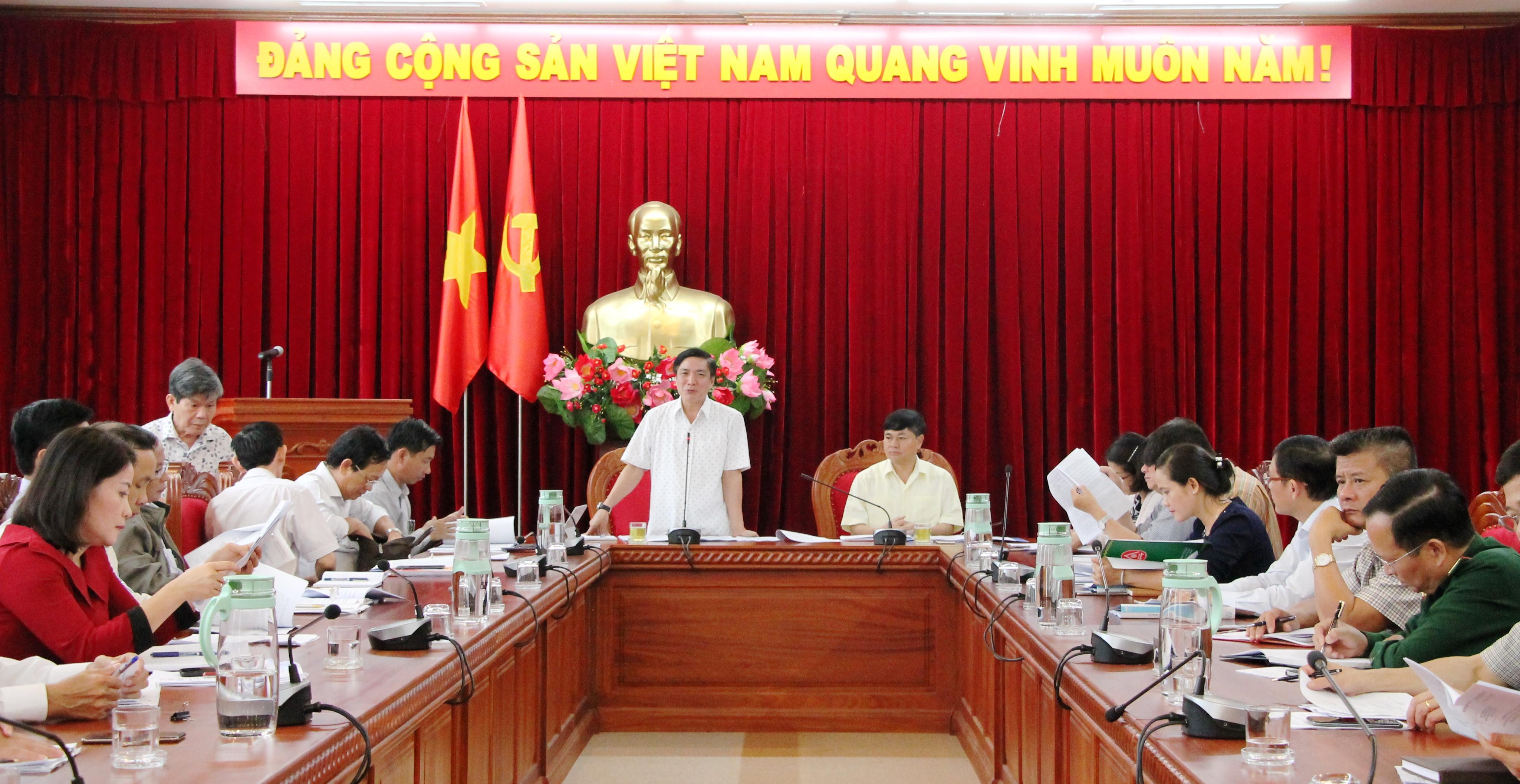 Họp góp ý đề cương Báo cáo chính trị Đại hội đại biểu Đảng bộ tỉnh lần thứ XVII