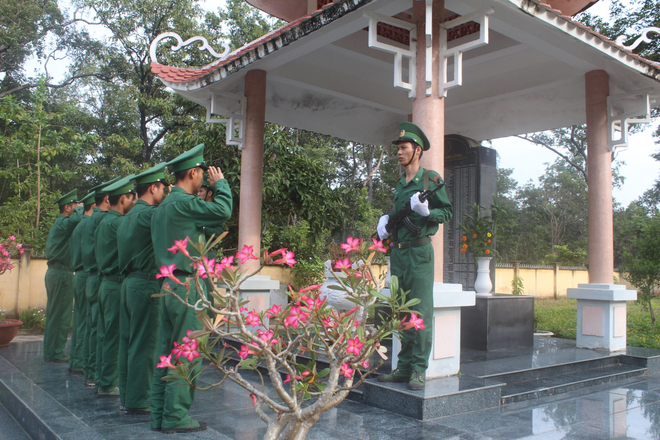 Đồn Biên phòng Sê Rê Pốk kỷ niệm 44 năm Ngày truyền thống