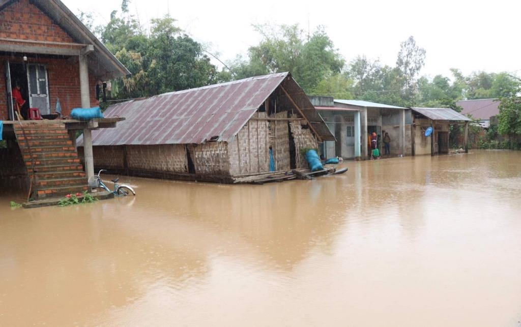 Hơn 300 ngôi nhà bị ngập do ảnh hưởng cơn bão số 6