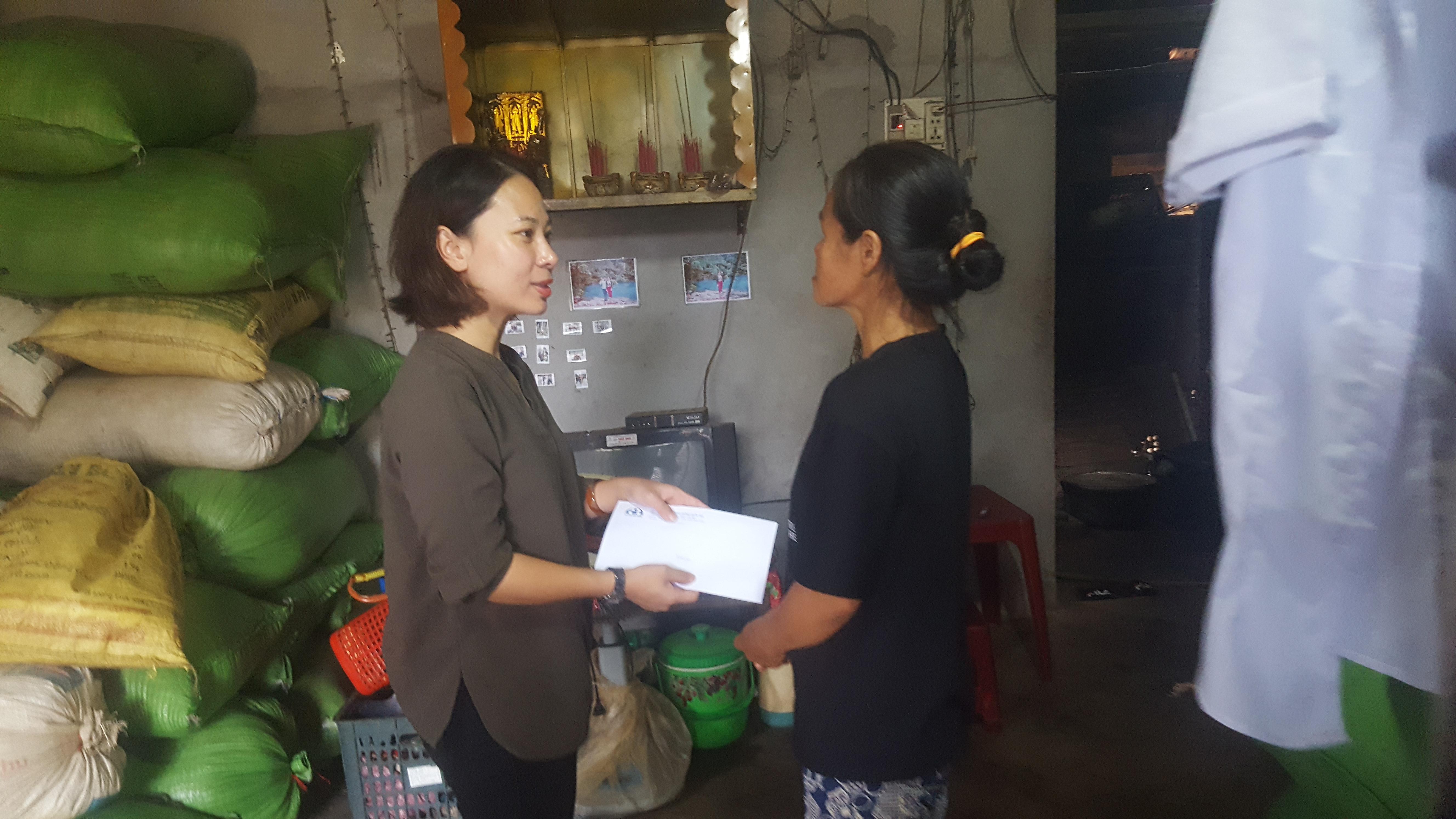 Ban an toàn giao thông Quốc gia hỗ trợ tiền cho gia đình 5 nạn nhân tai  nạn giao thông có hoàn cảnh đặc biệt khó khăn ở huyện Ea H'leo
