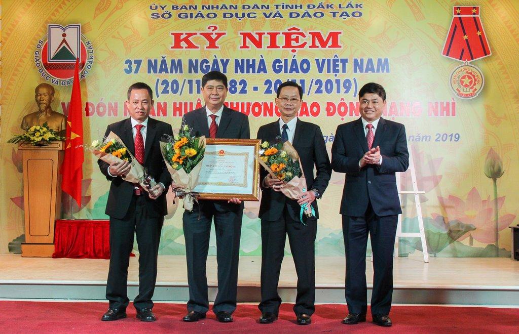 Kỷ niệm 37 năm Ngày Nhà giáo Việt Nam (20/11/1982-20/11/2019)