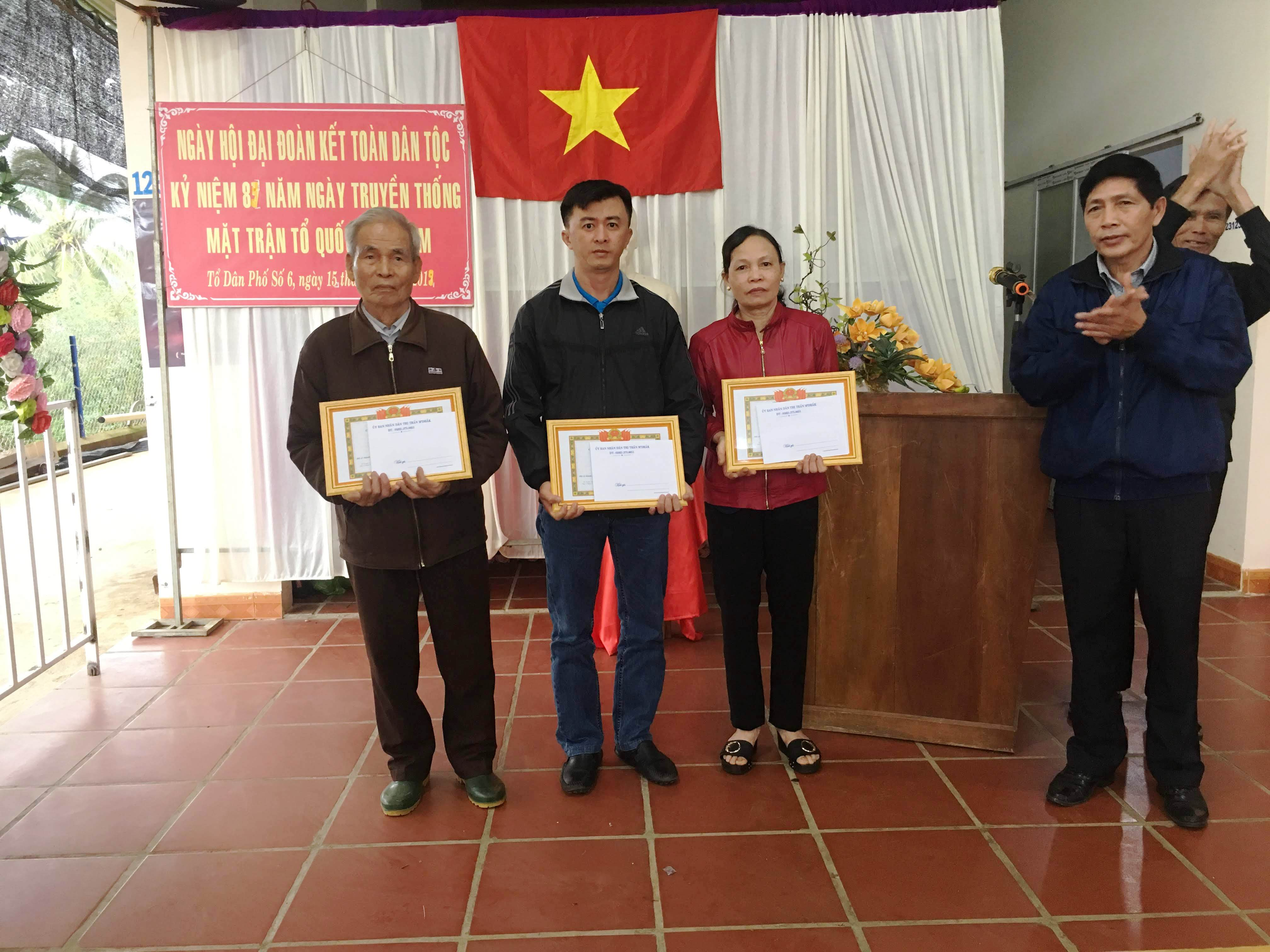 Huyện M'Drắk sôi nổi hoạt động nhân ngày hội đại đoàn kết toàn dân