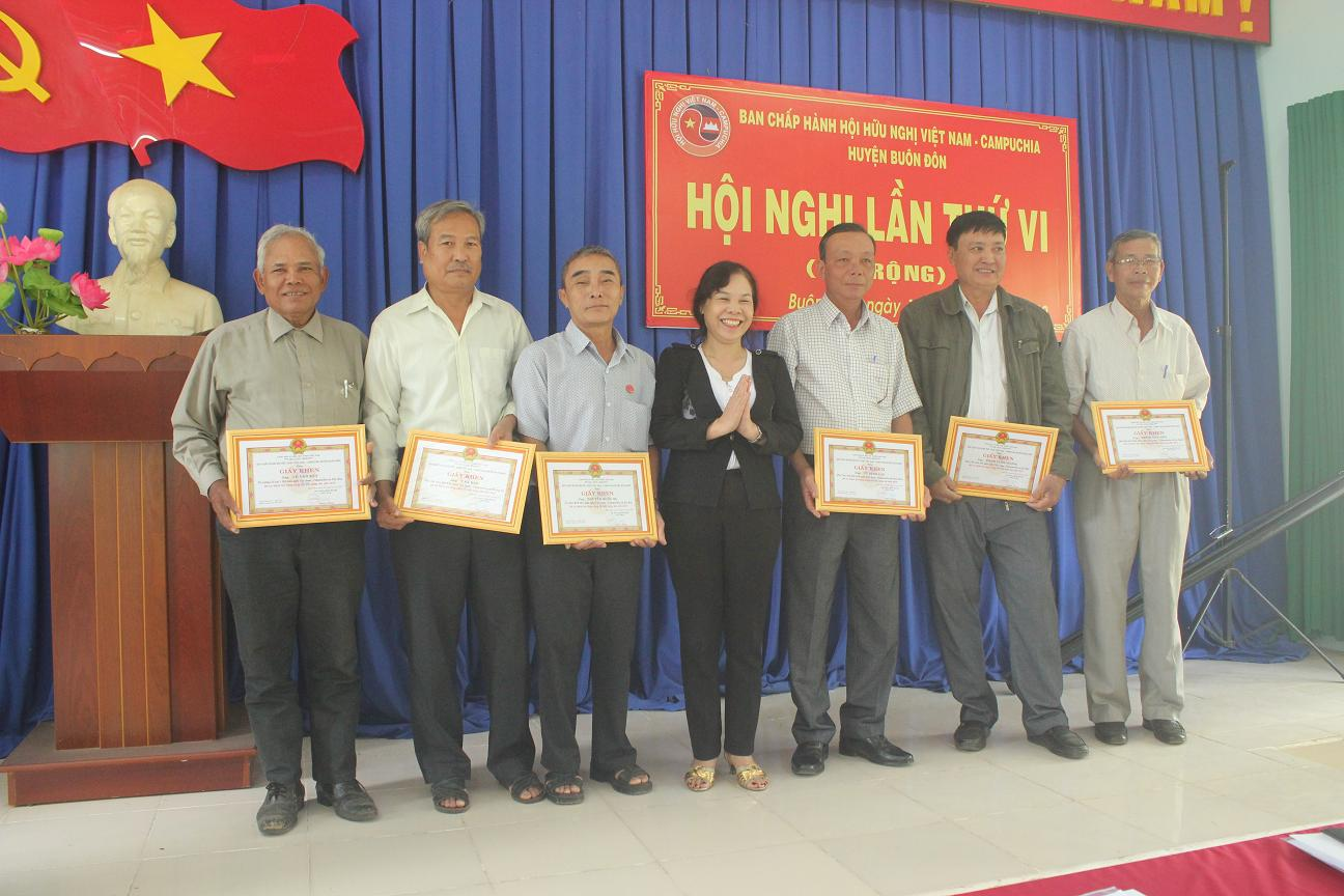 Hội Hữu nghị Việt Nam - Campuchia huyện Buôn Đôn: Tổng kết công tác Hội năm 2019