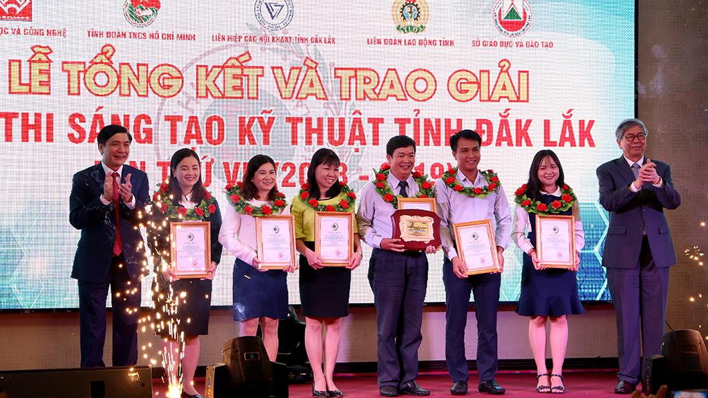 Vinh danh 18 tác giả, nhóm tác giả đạt giải tại Hội thi Sáng tạo Kỹ thuật tỉnh Đắk Lắk lần thứ VII