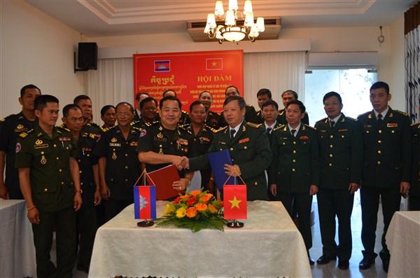 Bộ Chỉ huy BĐBP tỉnh Đắk Lắk và Tiểu khu Quân sự Mondulkiri đánh giá công tác phối hợp quản lý bảo vệ biên giới