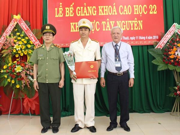 Lễ bế giảng lớp Cao học An ninh nhân dân khóa 22 khu vực Tây Nguyên