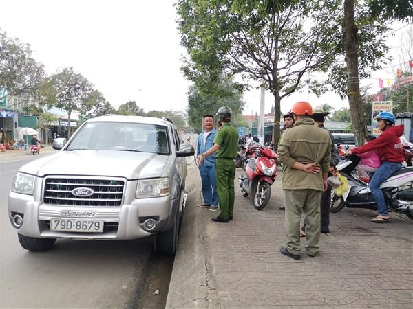 Huyện M'Đrắk: Tăng cường chấn chỉnh vi phạm hành lang an toàn giao thông đường bộ