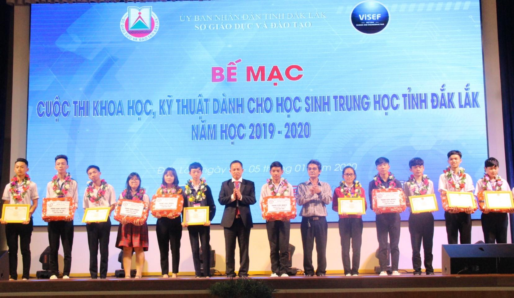 Bế mạc Cuộc thi khoa học, kỹ thuật dành cho học sinh trung học tỉnh Đắk Lắk năm học 2019-2020