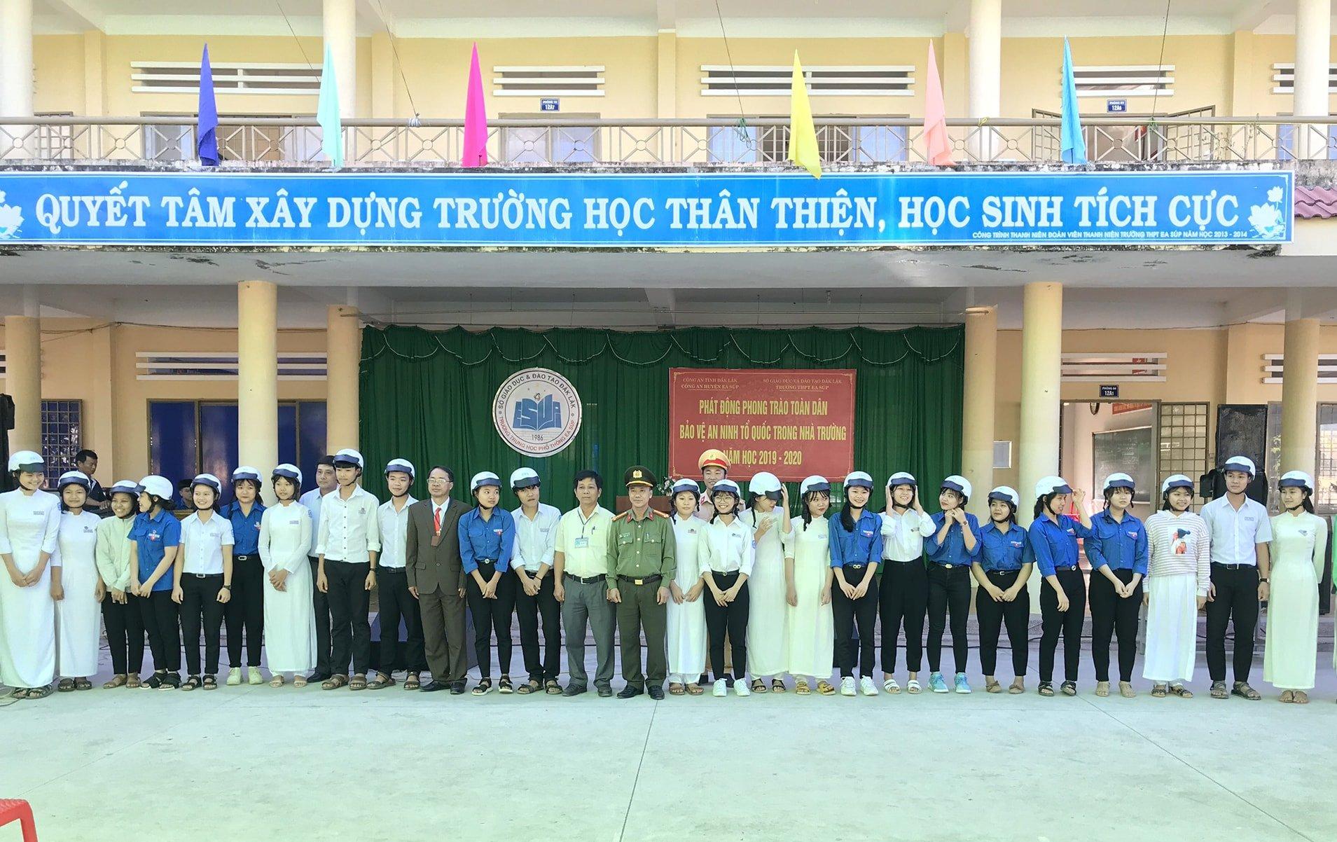 Công an huyện Ea Súp phát động phong trào Toàn dân bảo vệ an ninh tổ quốc trong nhà trường