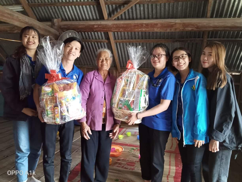 Chương trình Xuân yêu thương cho người dân nghèo huyện Lắk