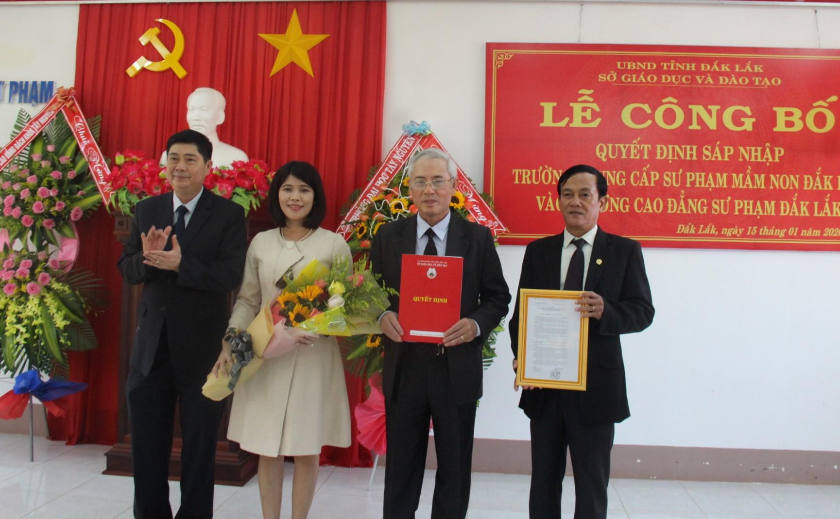 Sáp nhập Trường Trung cấp Sư phạm Mầm non Đắk Lắk vào Trường Cao đẳng Sư phạm Đắk Lắk