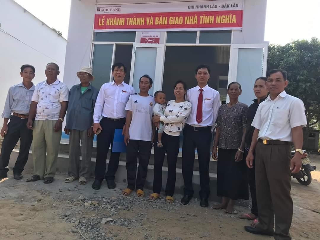Agribank chi nhánh huyện Lắk trao nhà tình nghĩa cho Buôn Drễn A, xã Đăk Liêng