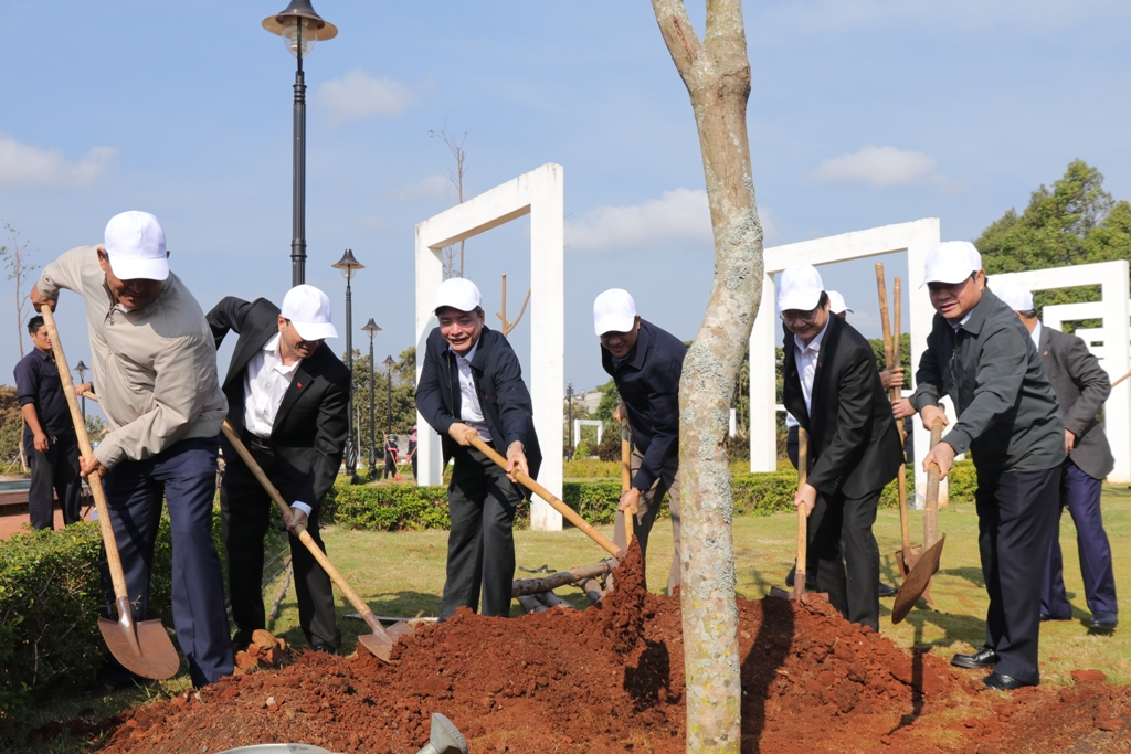 Thành phố Buôn Ma Thuột phát động Tết trồng cây Xuân Canh Tý