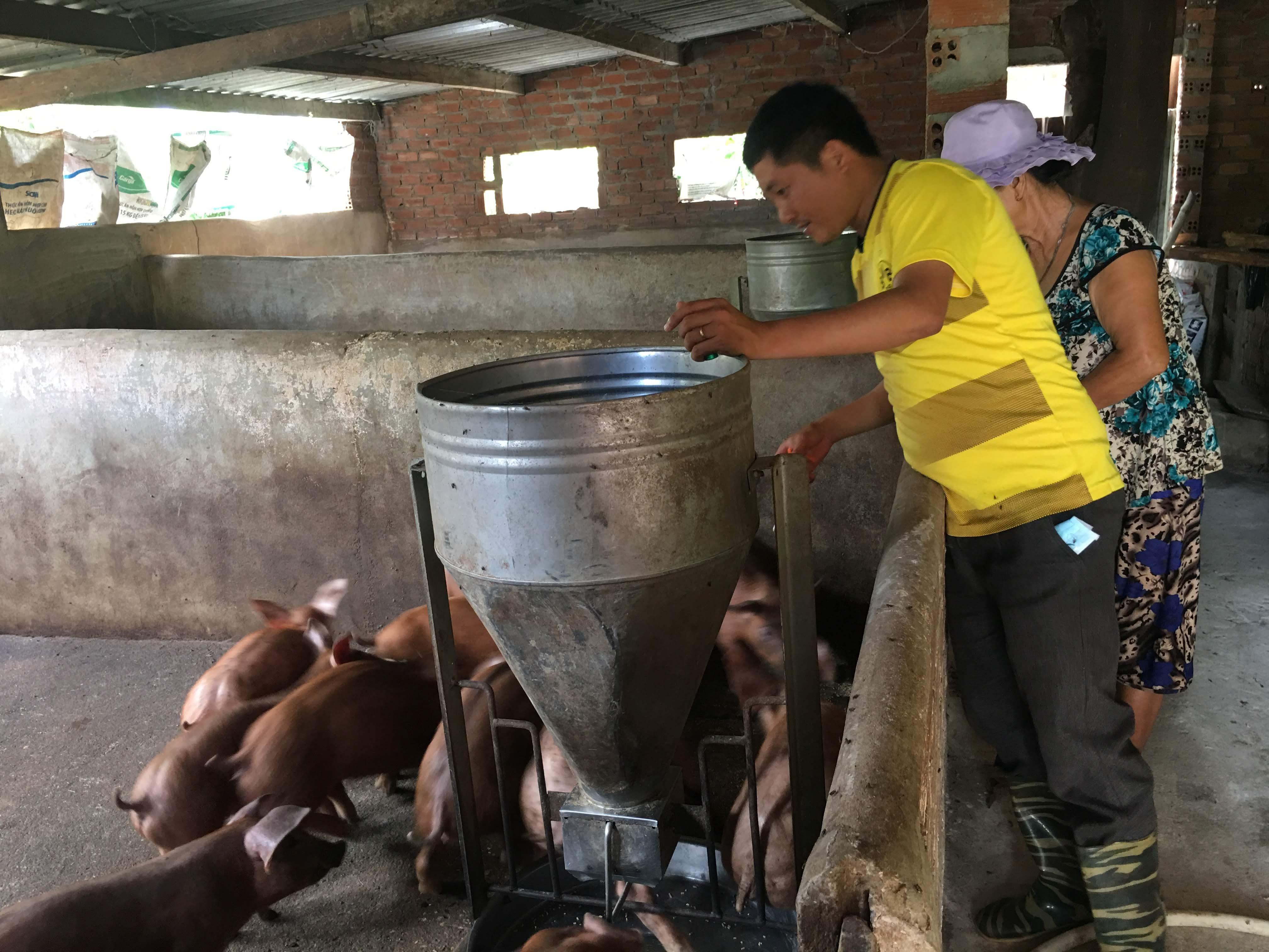 Nông dân huyện M'Drắk ra quân sản xuất đầu năm mới