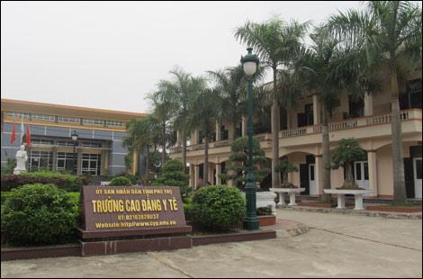 Quyết định về việc phê duyệt kế hoạch lựa chọn nhà thầu Công trình: Trường Cao đẳng Y tế Đắk Lắk.