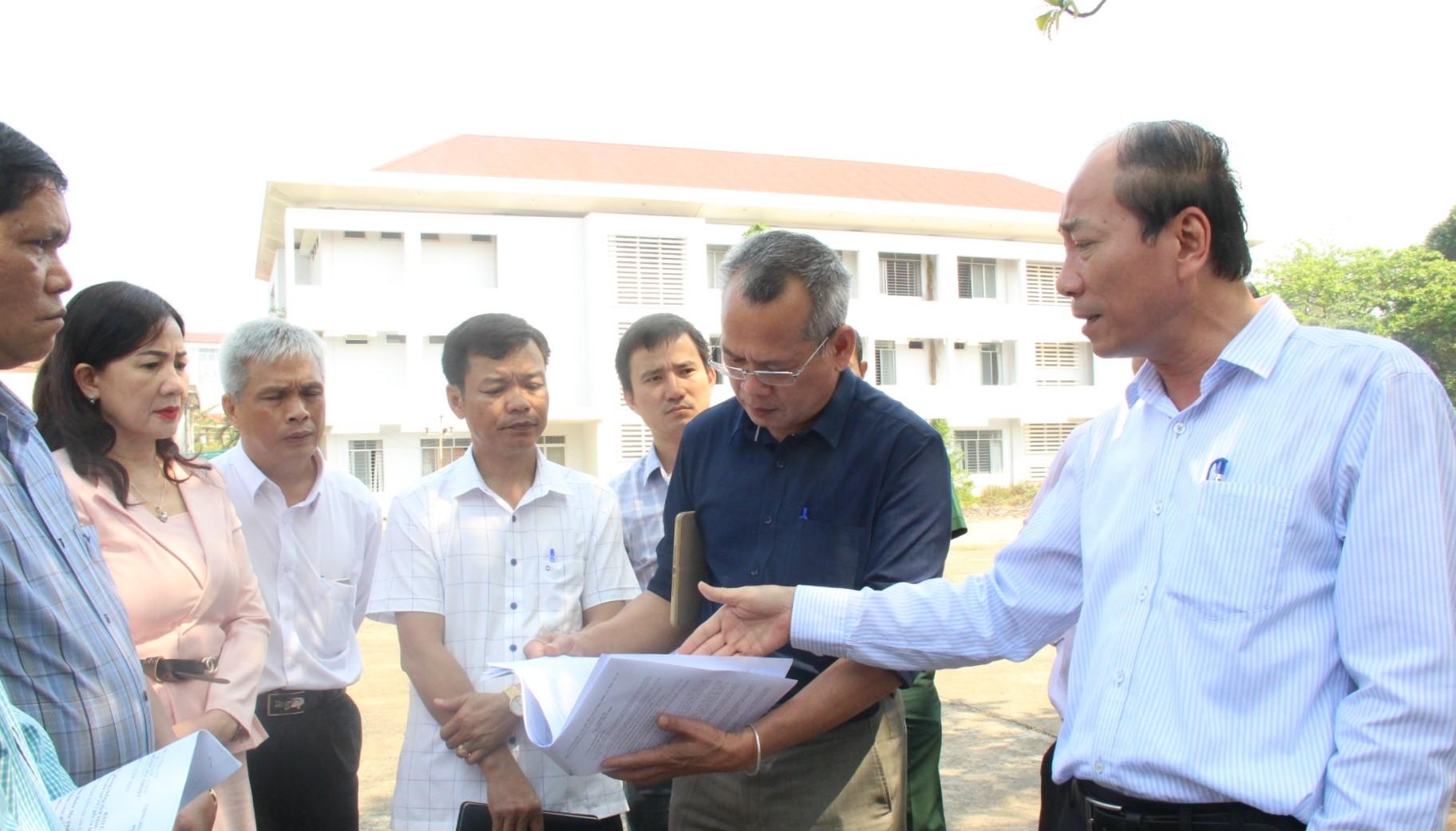 Chủ tịch UBND tỉnh Phạm Ngọc Nghị kiểm tra công tác phòng, chống dịch bệnh Covid-19 tại các đơn vị trên địa bàn