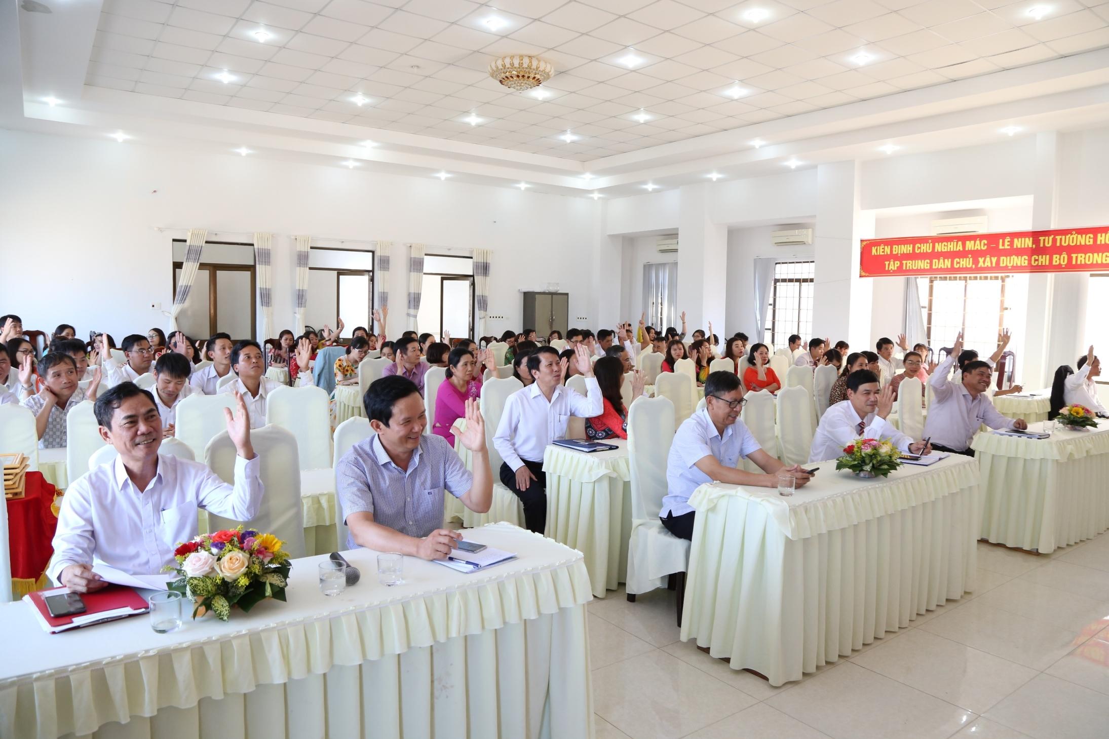 Hội nghị cán bộ viên chức Trung tâm Kiểm soát bệnh tật Đắk Lắk