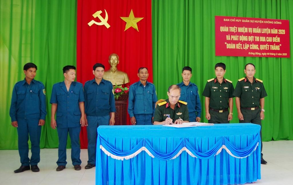 """Ban Chỉ huy Quân sự huyện Krông Bông phát động thi đua """"Đoàn kết, Lập công, Quyết thắng"""""""