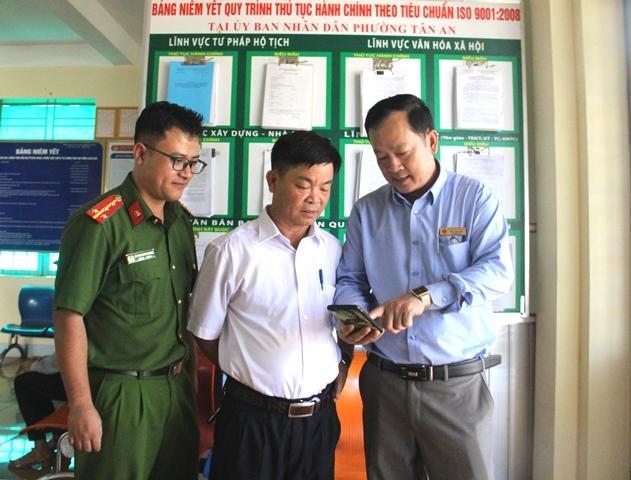 """UBND phường Tân An ra mắt mô hình """"Tuyên truyền, phổ biến pháp luật, CCHC và phòng, chống tội phạm qua Zalo"""""""