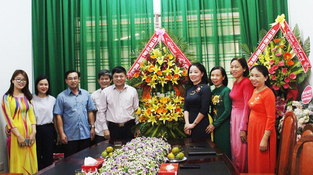 Phó Bí thư Thường trực Tỉnh ủy Phạm Minh Tấn thăm và chúc mừng Hội LHPN tỉnh nhân ngày 8/3