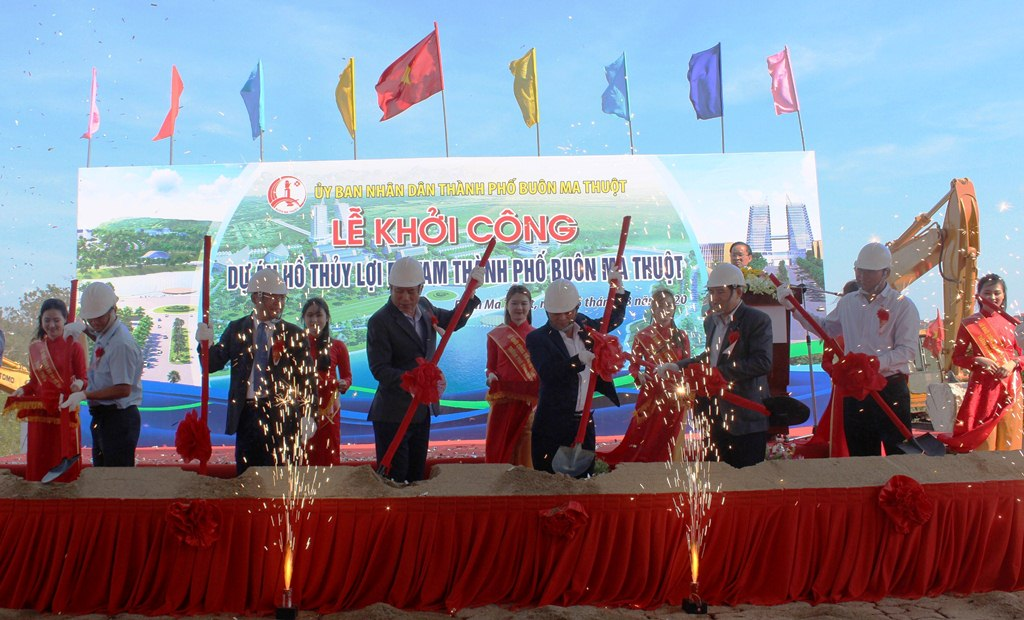 Lễ khởi công xây dựng Dự án Hồ thủy lợi Ea Tam