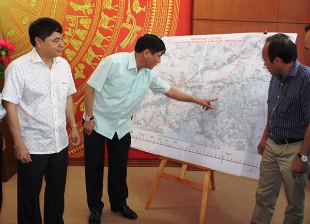 Thường trực Tỉnh ủy họp lấy ý kiến vào chủ trương đầu tư đường Hồ Chí Minh đoạn tránh phía Đông thành phố Buôn Ma Thuột