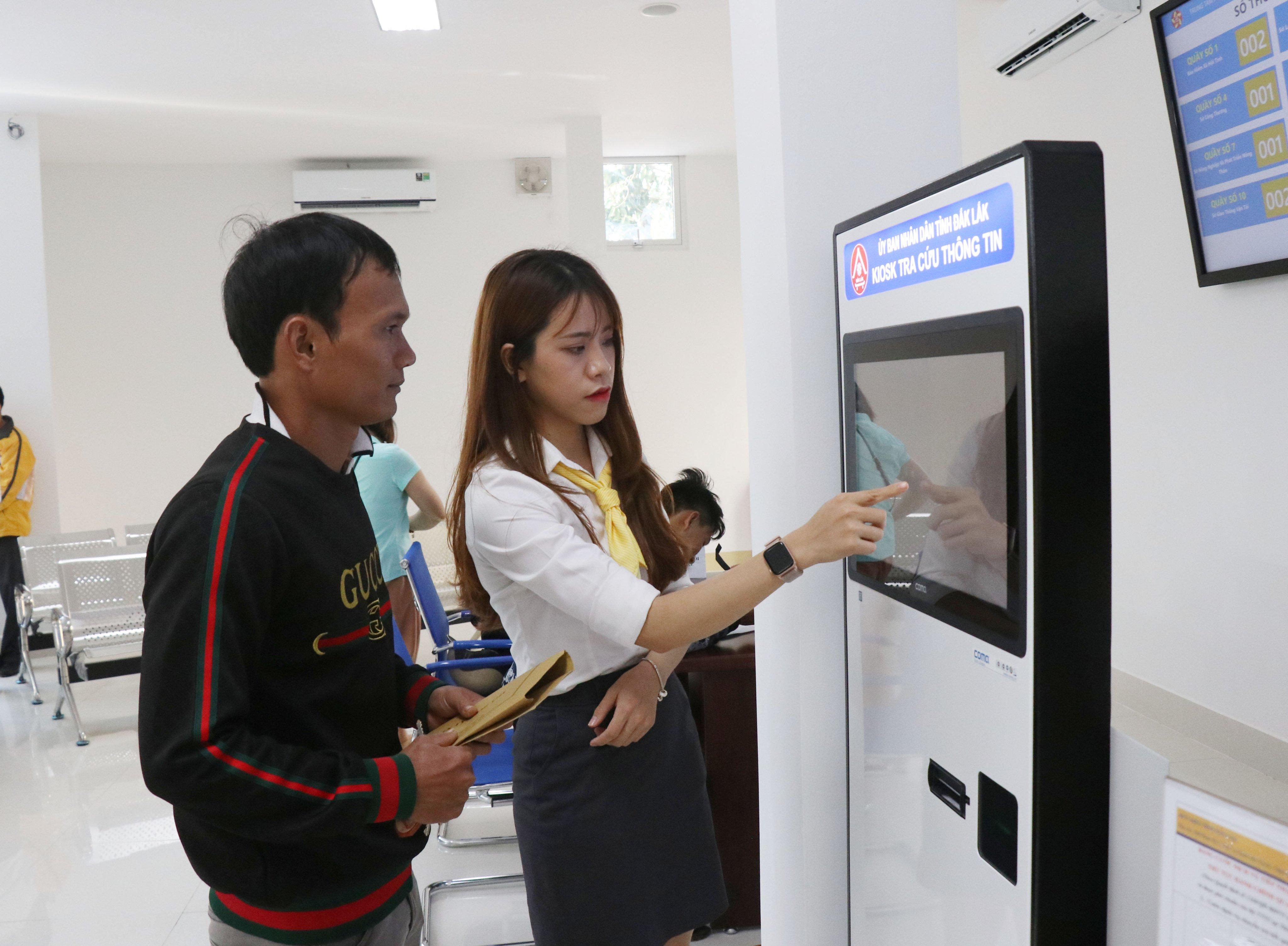 Giảm 50% cước tiếp nhận hồ sơ, trả kết quả thủ tục hành chính thông qua dịch vụ bưu chính công ích