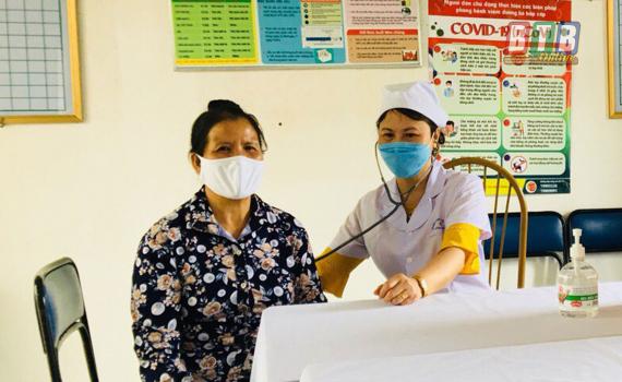 Tăng cường phòng chống dịch Covid-19 đối với người bệnh, người cao tuổi và khai báo y tế điện tử