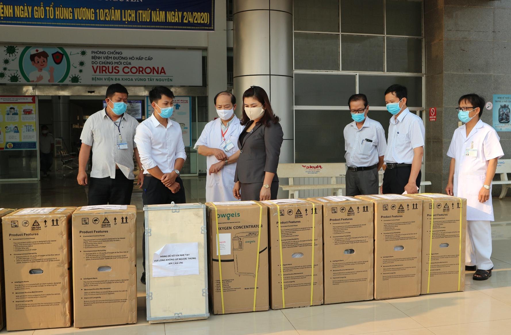 Bệnh viện Đa khoa vùng Tây Nguyên tiếp nhận 10 máy thở phục vụ điều trị bệnh nhân Covid-19