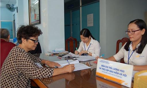 Chi trả lương hưu, trợ cấp BHXH, BHTN hàng tháng qua hệ thống bưu điện trong thời gian phòng, chống dịch Covid-19