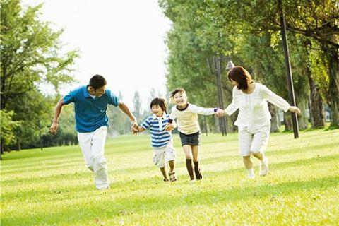 Gia đình là tế bào của xã hội. Gia đình có hòa thuận, hạnh phúc, xã hội mới phồn vinh, phát triển bền vững được