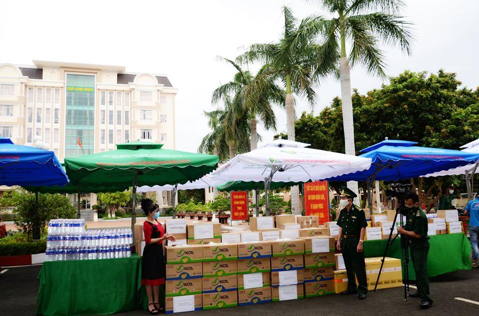Tiếp nhận hơn 100 triệu đồng hỗ trợ phòng, chống dịch Covid-19 trên tuyến biên giới Đắk Lắk