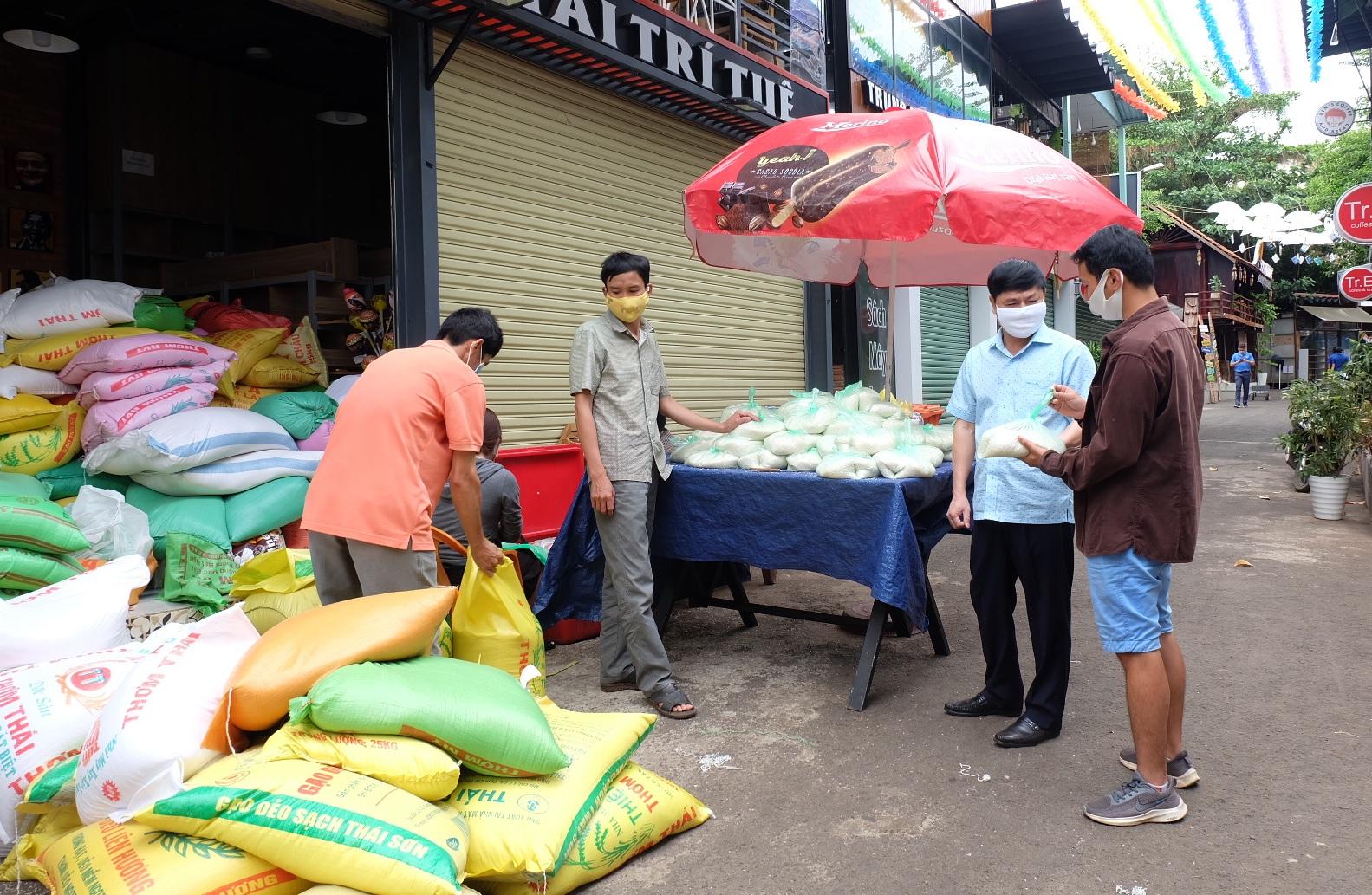 """Nhân rộng mô hình """"ATM gạo"""" đến các địa phương trong tỉnh"""