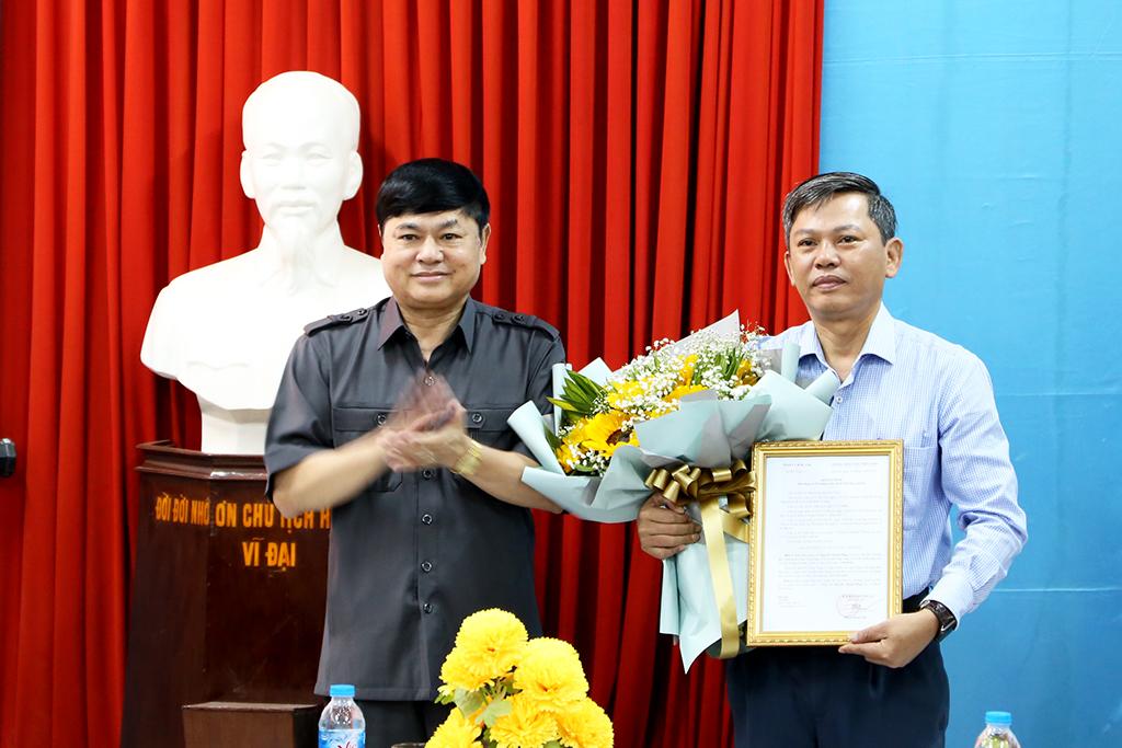 Thường trực Tỉnh ủy công bố quyết định bổ nhiệm chức vụ Hiệu trưởng  Trường Chính trị tỉnh